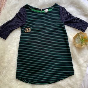 Anthropologie-  9-HI5 STCL  Navy green Lace tunic